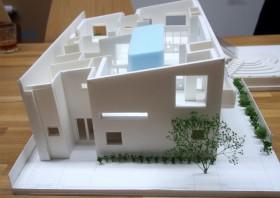 幼稚園の模型(石嶋設計室)